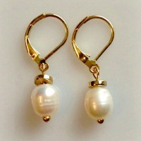 Elizabeth Pearl Drop Earrings