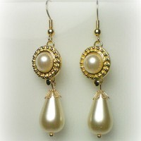 Elizabeth Gold Beaded Edge Earrings