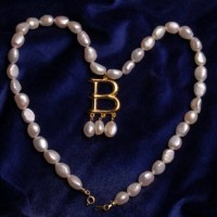 Anne Boleyn B Necklace Gold-plated Luxury Edition