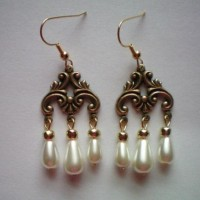 Elizabeth Pearl Tier Earrings